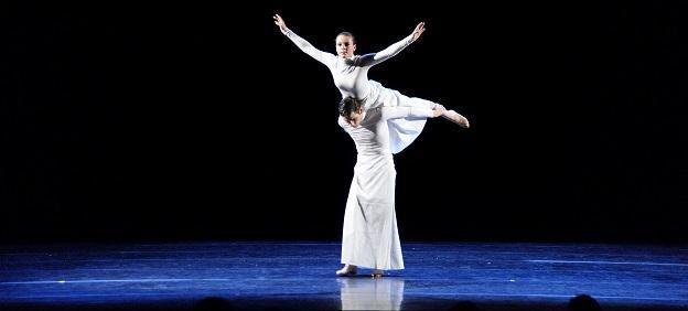 Moderne Dans Aventus show