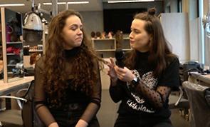 Studentenverhalen Iris versus Fabienne aflevering 4 Kappers