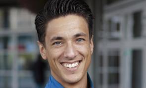 Aventus-medewerker Daniel Atia